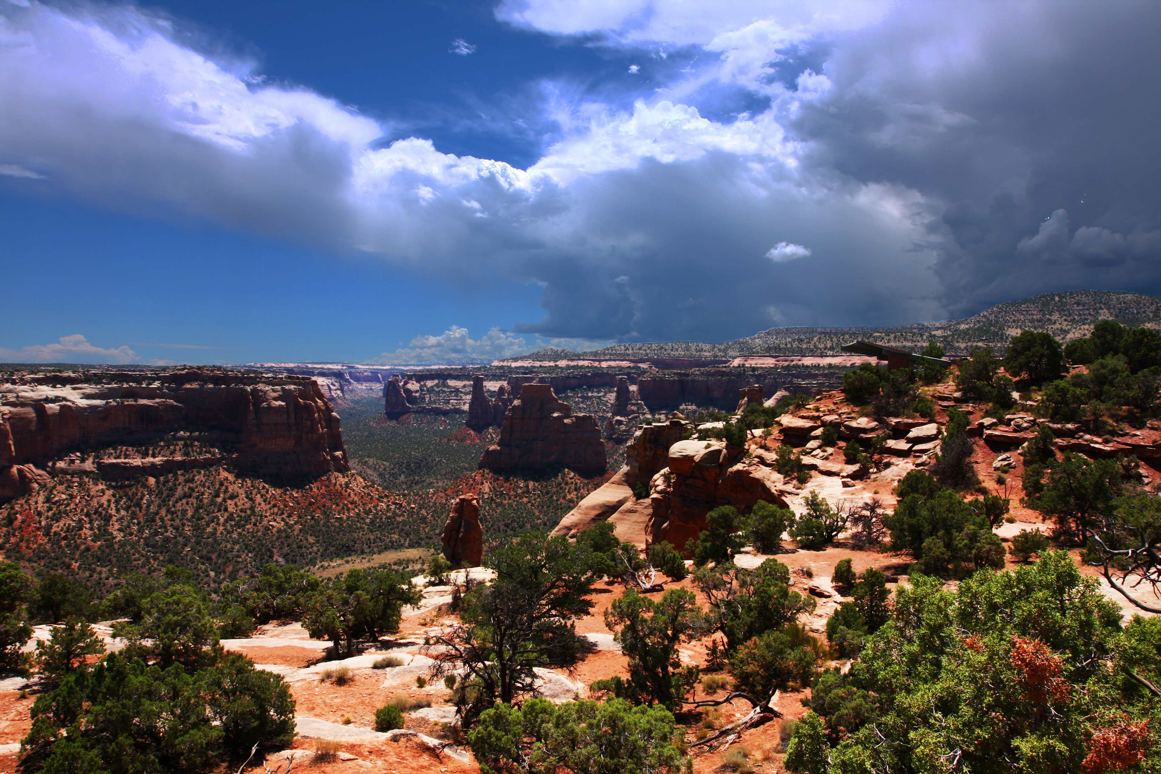 https://www.denverpenwomen.org/wp-content/uploads/2018/06/Colorado_National_Monument_4939640266.jpg